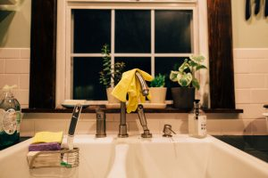 6 Tips to Survive Without a Kitchen SInk